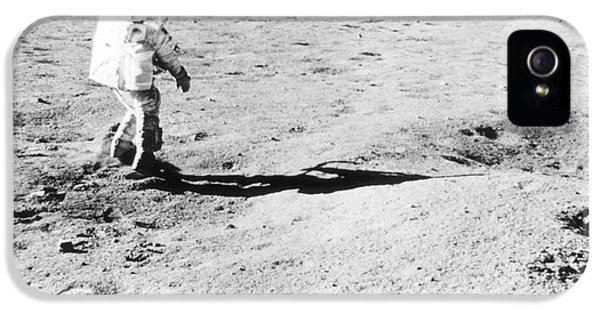 Moon Walk iPhone 5 Cases - Apollo 16 Moon Walk iPhone 5 Case by Science Source