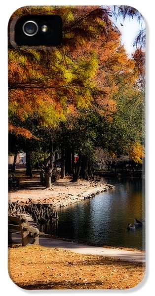 Autumn On Theta IPhone 5 / 5s Case by Lana Trussell