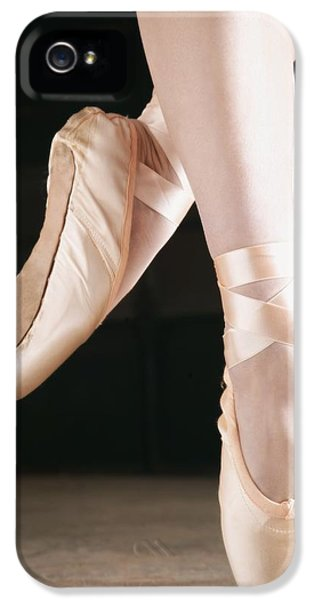 Extremity iPhone 5 Cases - Ballet Dancer En Pointe iPhone 5 Case by Don Hammond