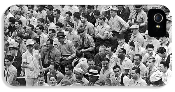 Baseball Fans In The Bleachers At Yankee Stadium. IPhone 5 / 5s Case by Underwood Archives