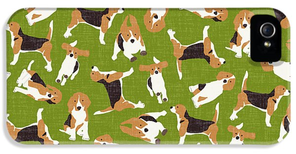 Beagle Scatter Green IPhone 5 / 5s Case by Sharon Turner