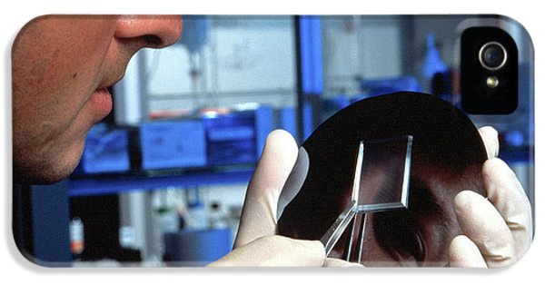 Bioscience Microchips IPhone 5 / 5s Case by Ibm Research