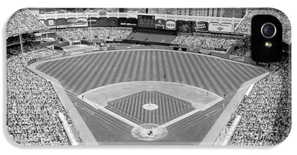 Black And White Yankee Stadium IPhone 5 / 5s Case by Horsch Gallery
