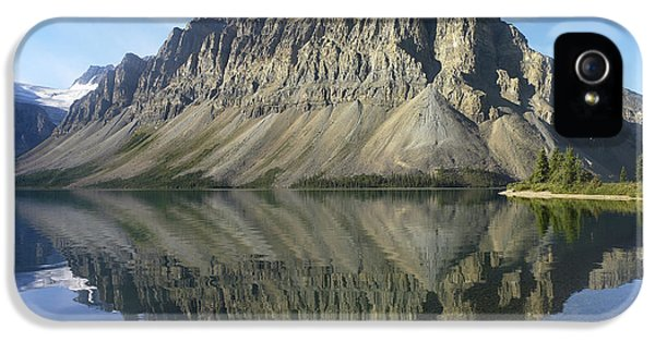 Mountain iPhone 5 Cases - Bow Lake And Crowfoot Mts Banff iPhone 5 Case by Tim Fitzharris