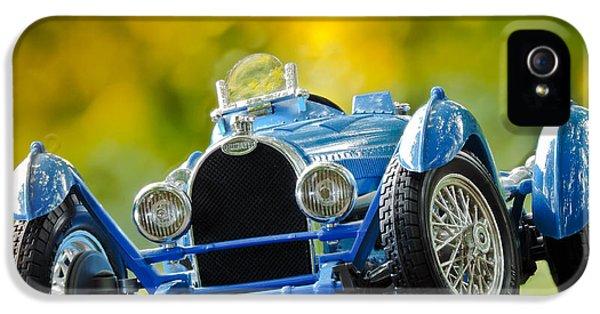 Bugatti Type 35 iPhone 5 Cases - Bugatti Type 35 iPhone 5 Case by Christian Tiboldi