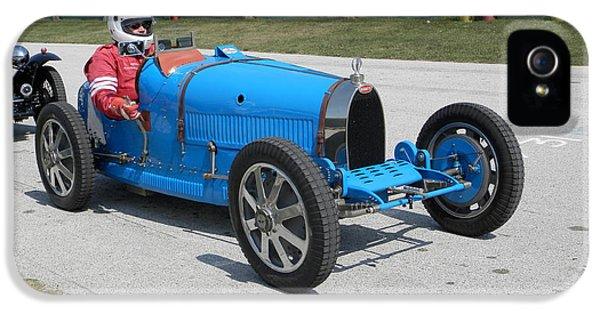 Bugatti Type 35 iPhone 5 Cases - Bugatti Type 35 Racer iPhone 5 Case by Neil Zimmerman