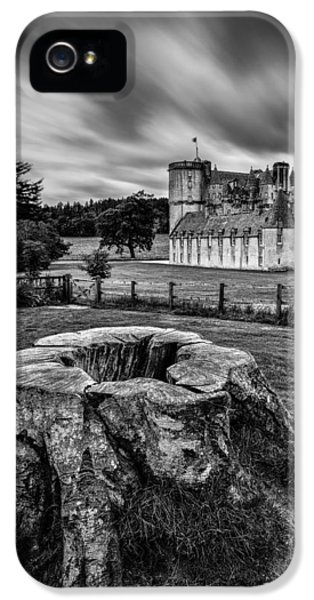 Castle iPhone 5 Cases - Castle Fraser iPhone 5 Case by Dave Bowman