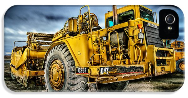 Engine iPhone 5 Cases - Caterpillar CAT 623F Scraper iPhone 5 Case by YoPedro