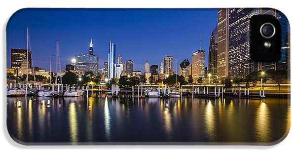 Michgan Avenue iPhone 5 Cases - Chicago harbor and skyline at dawn iPhone 5 Case by Sven Brogren
