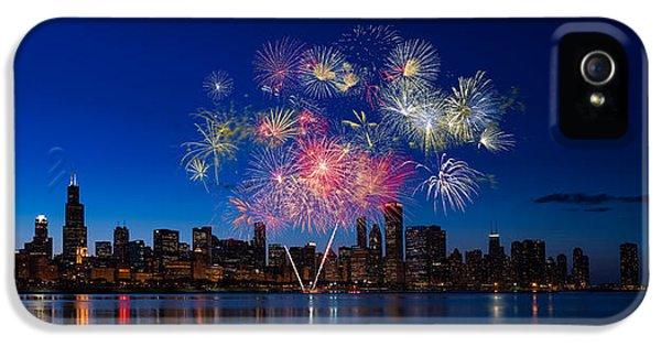 Firework iPhone 5 Cases - Chicago Lakefront Fireworks iPhone 5 Case by Steve Gadomski