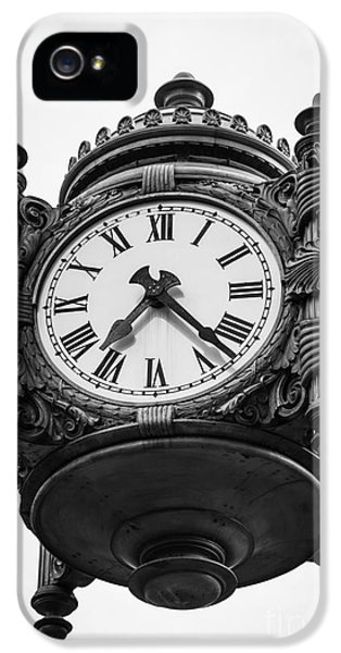 Chicago Macy's Marshall Field's Clock In Black And White IPhone 5 / 5s Case by Paul Velgos