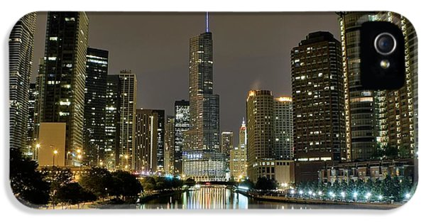 Chicago Night River View IPhone 5 / 5s Case by Frozen in Time Fine Art Photography