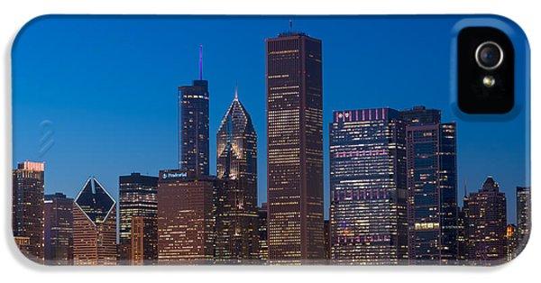 Il iPhone 5 Cases - Chicago Parkside iPhone 5 Case by Steve Gadomski