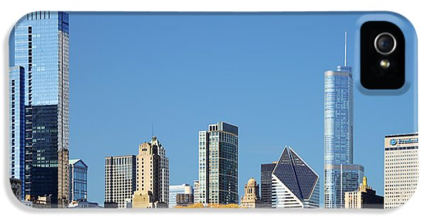 One Prudential Plaza Building iPhone 5 Cases - Chicago skyline from Millenium Park III iPhone 5 Case by Christine Till