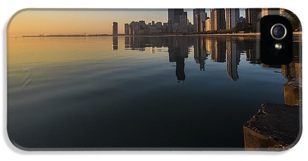 Michgan Avenue iPhone 5 Cases - Chicago Skyline just after the sun comes up iPhone 5 Case by Sven Brogren