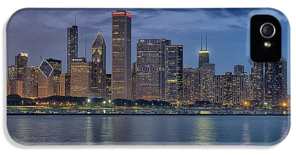 One Prudential Plaza Building iPhone 5 Cases - Chicago Towers iPhone 5 Case by Donald Schwartz