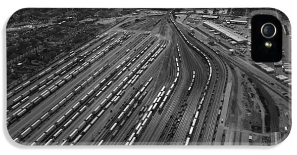 Central Il iPhone 5 Cases - Chicago Transportation 02 Black and White iPhone 5 Case by Thomas Woolworth