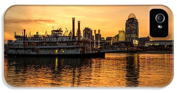 Cincinnati Skyline And Riverboat At Sunset IPhone 5 / 5s Case by Paul Velgos