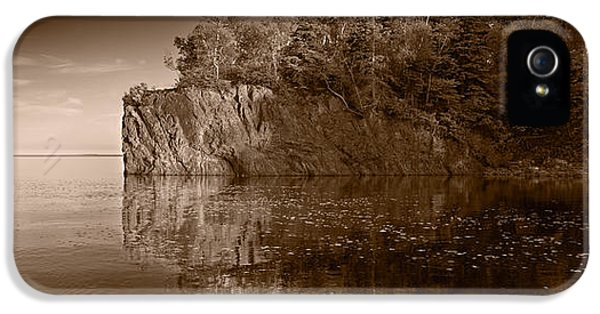 Baptism iPhone 5 Cases - Cliff Face Northshore MN BW iPhone 5 Case by Steve Gadomski