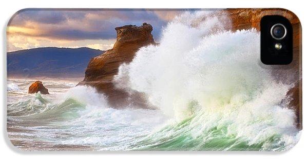 Oregon Coast Landscapes iPhone 5 Cases - Crashing Kiwanda iPhone 5 Case by Darren  White