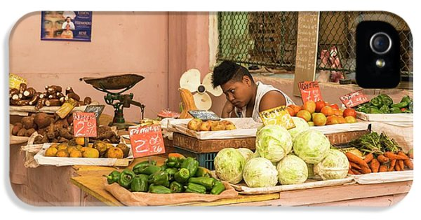 Cuban Market Stall IPhone 5 / 5s Case by Peter J. Raymond