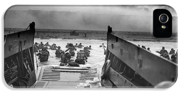 Photo iPhone 5 Cases - D-Day Landing iPhone 5 Case by War Is Hell Store