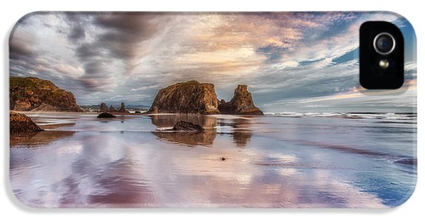 Oregon Coast Landscapes iPhone 5 Cases - Dancing Sunset iPhone 5 Case by Darren  White