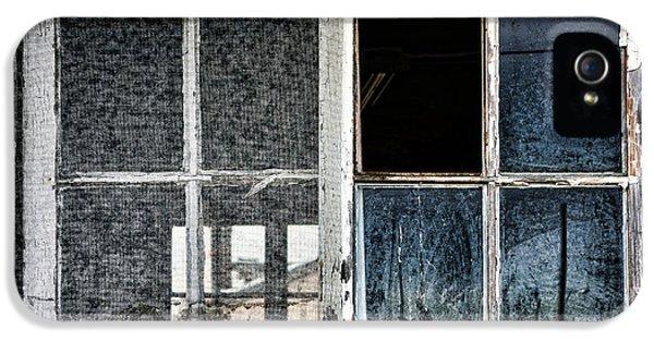 Broken iPhone 5 Cases - Derelict iPhone 5 Case by Olivier Le Queinec