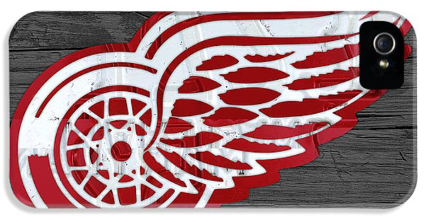 Detroit Red Wings Recycled Vintage Michigan License Plate Fan Art On Distressed Wood IPhone 5 / 5s Case by Design Turnpike