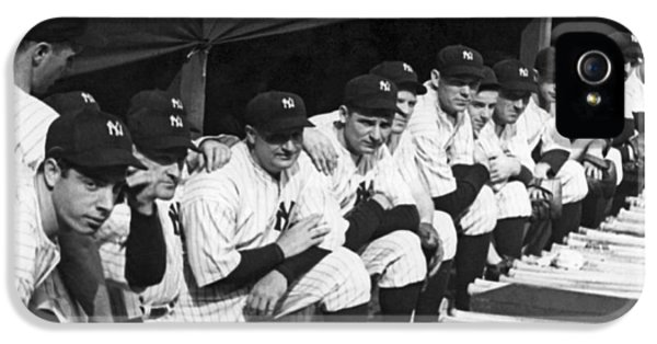 Dimaggio In Yankee Dugout IPhone 5 / 5s Case by Underwood Archives