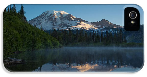 Mount Rainier iPhone 5 Cases - Early Morning at Mount Rainier iPhone 5 Case by Mike Reid