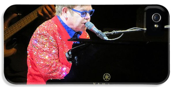 Elton John Live IPhone 5 / 5s Case by Aaron Martens