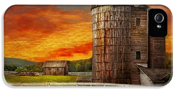 Msavad iPhone 5 Cases - Farm - Barn - Welcome to the farm  iPhone 5 Case by Mike Savad