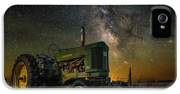 Farming The Rift 3 IPhone 5 / 5s Case by Aaron J Groen