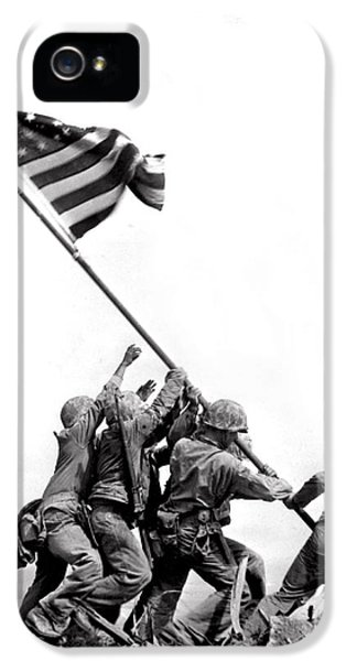 Flag Raising At Iwo Jima IPhone 5 / 5s Case by Underwood Archives