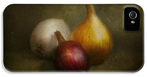Food - Onions - Onions  IPhone 5 / 5s Case by Mike Savad