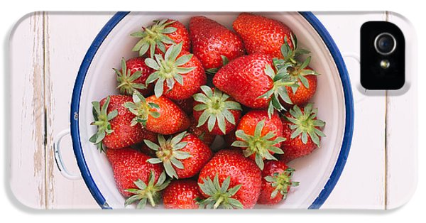 Fresh Strawberries  IPhone 5 / 5s Case by Viktor Pravdica
