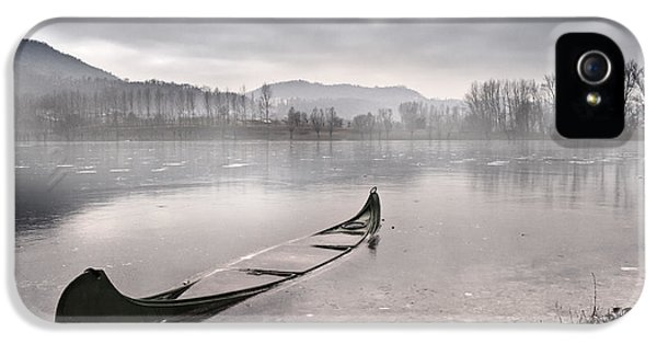 Lake iPhone 5 Cases - Frozen day iPhone 5 Case by Yuri Santin