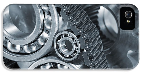 Gears And Cogs Titanium And Steel Power IPhone 5 / 5s Case by Christian Lagereek