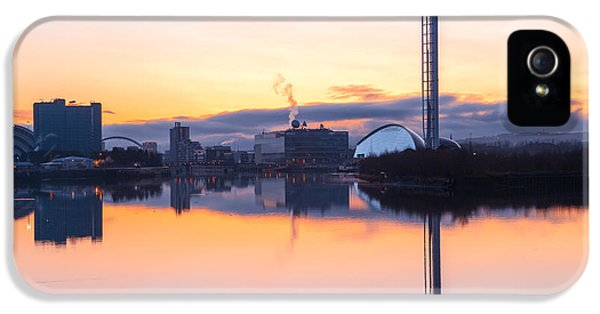 Arc iPhone 5 Cases - Glasgow waterfront at Dawn Boxing day iPhone 5 Case by John Farnan