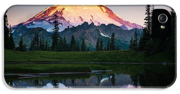 Mount Rainier iPhone 5 Cases - Glowing Peak iPhone 5 Case by Inge Johnsson