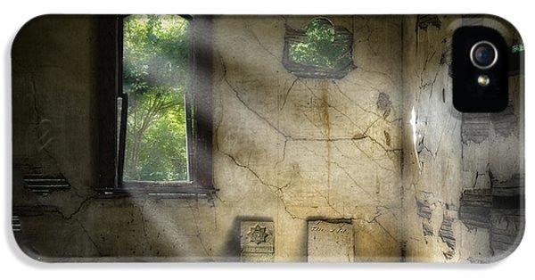 Burial iPhone 5 Cases - Gospel Center Church Interior iPhone 5 Case by Tom Mc Nemar