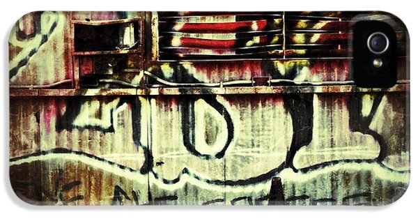 Graffiti iPhone 5 Cases - Graffiti  iPhone 5 Case by Jeff Klingler