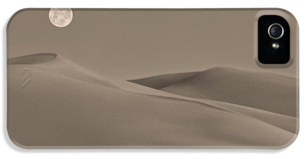 Moonrise iPhone 5 Cases - Great Sand Dunes iPhone 5 Case by Don Spenner
