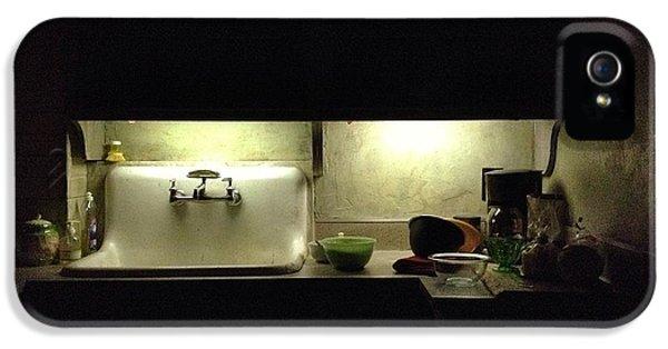 Harlem Sink IPhone 5 / 5s Case by H James Hoff
