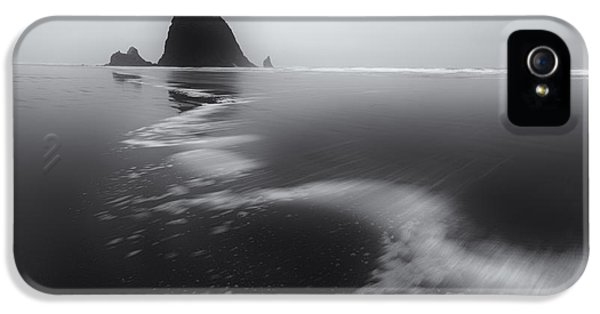 Oregon Coast Landscapes iPhone 5 Cases - Haystack Winds iPhone 5 Case by Darren  White