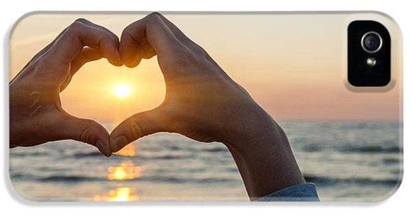 Heart Shaped Hands Framing Ocean Sunset IPhone 5 / 5s Case by Elena Elisseeva