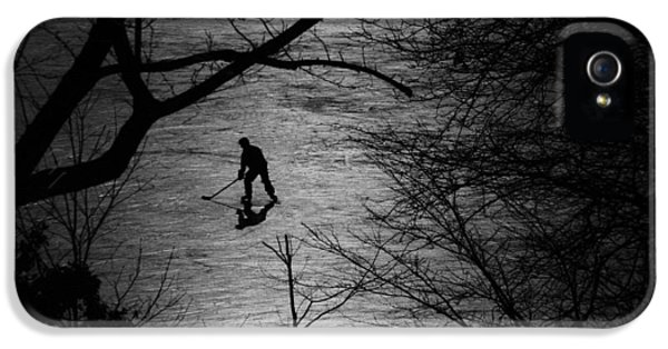 Hockey Silhouette IPhone 5 / 5s Case by Andrew Fare