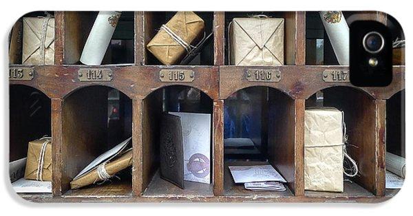 Hogsmeade Owl Post Office IPhone 5 / 5s Case by Edward Fielding