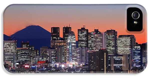 Iconic Mt Fuji With Shinjuku Skyscrapers IPhone 5 / 5s Case by Duane Walker